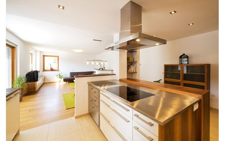 Zimmer streichen orange for Moderne inneneinrichtung wohnzimmer